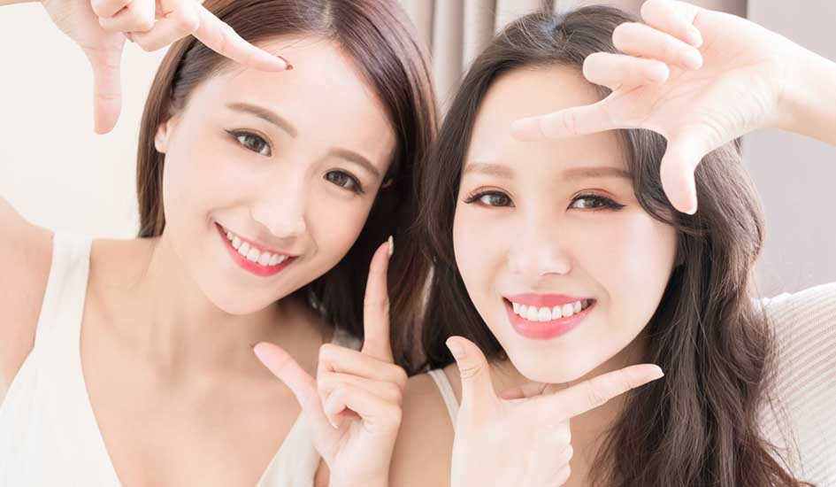 benefit-of-invisalign-two-pretty-girl-smile-dental-care-white-asian-smile-happy-cute-expertise