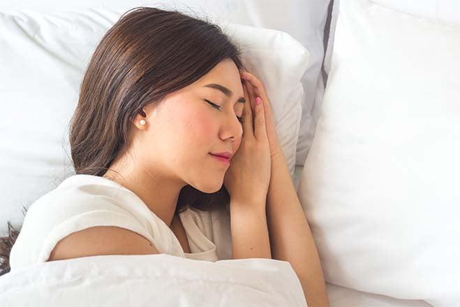better-sleep-quality-asian-girl-sleeping-well-breath-health