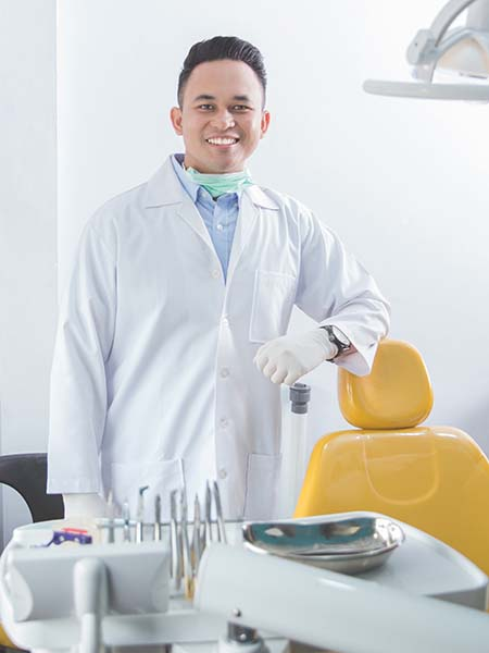 can-everyone-have-sedation-male-dentist-clinic-smile-dental-care-oral-health