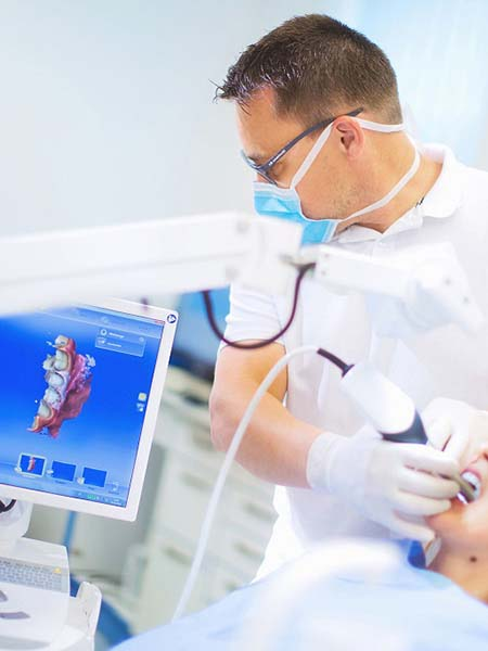 milled-crowns-onlays-and-bridges-digital-dental-care-technology-screen